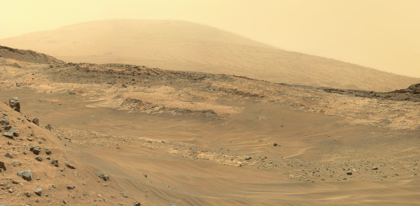 Mosaic of Curiosity Mastcam images from May 11, 2015. Credit: NASA/JPL-Caltech/MSSS. Edited by Jason Major.